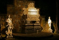 Sarcophagus with Gandhi's ashes